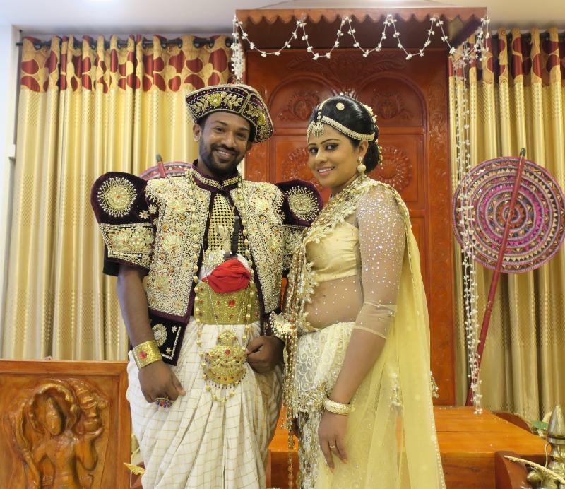 スリランカの新婚カップル