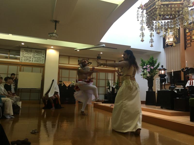 スリランカ舞踊02